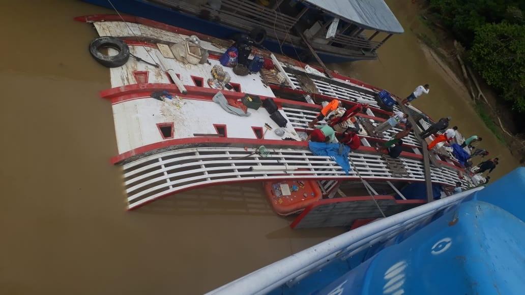 Equipe de mergulhadores continua realizando buscas em Carauari