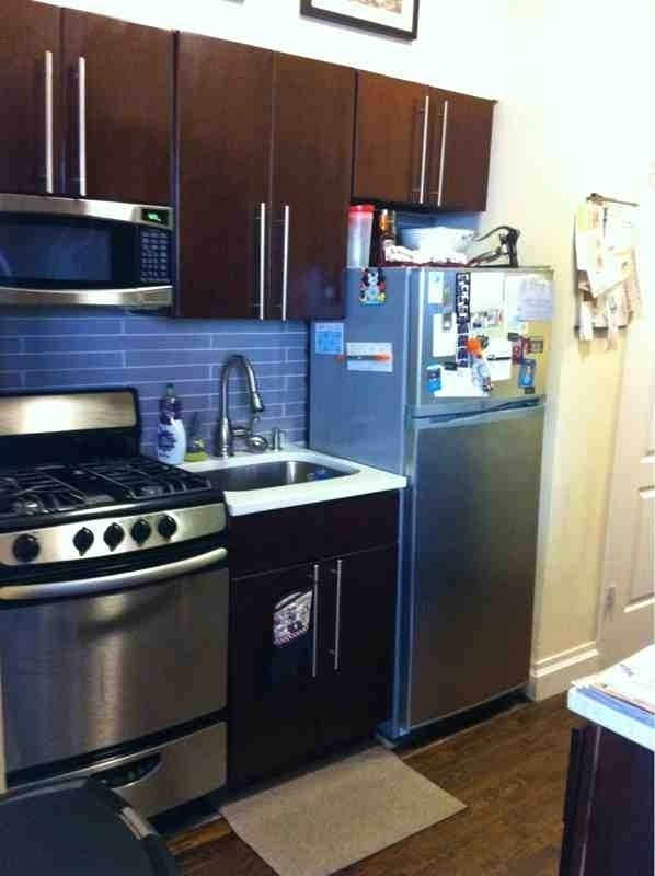 HUGE CORNER 1 BEDROOM.PRIME UES. ELEVATOR. PETS OK. 8/15 MOVE IN.