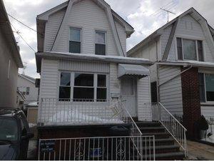 1760 East 10th Street
