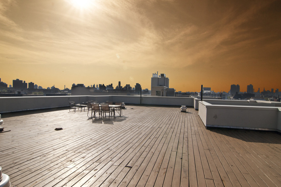 A Patio as big as your apartment! Stunning Large 1 bed, Modern Building, Gym, Roof Deck, 8/15