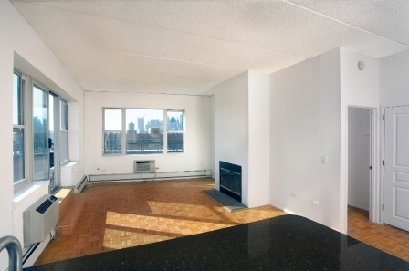 Huge 2 Bed/2 Bath in Soho w/ Granite Kitchen - No Fee