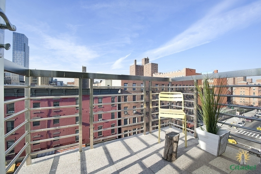 1635 Lexington Avenue #8B