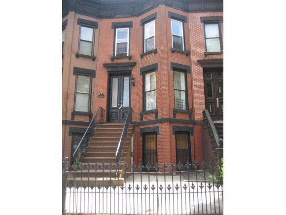 554 Lexington Avenue
