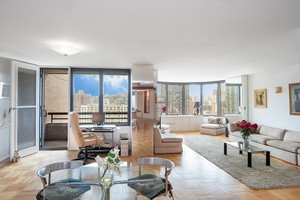 330 East 38th Street #18AQ