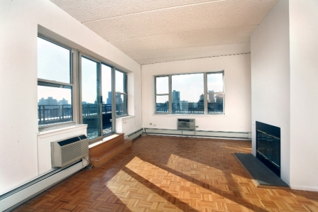Lavish 2 Bed/2 Bath in Soho w/ Fitness Center, Convenient Bike Parking & Fireplace - No Fee