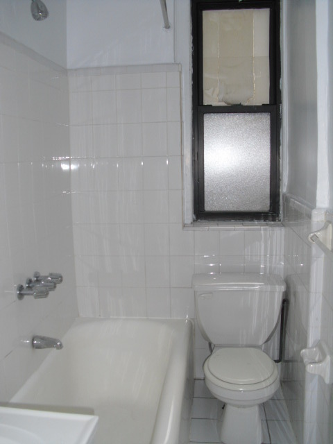 Sunny, nice renovated sponsor pre-war Studio, half block to 7 train 46th street,