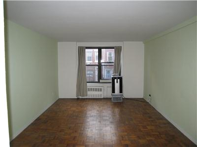 Listing Price Undermarket - West Village Studio on Christopher and Washington St