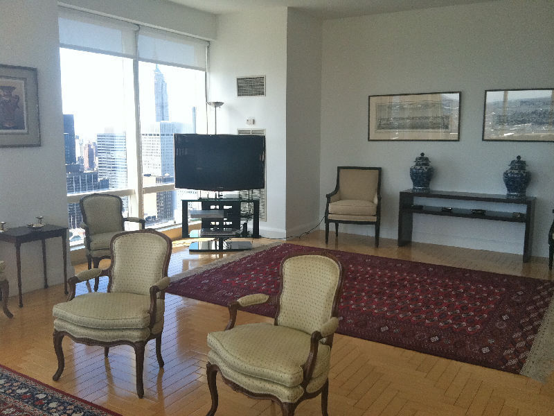 Trump World Tower Luxury 3 Bedroom!