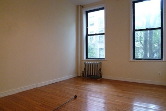 WINGED 2 BR - 1st AVE - OPEN KITCHEN - WINDOWED BATH - GREAT SHARE