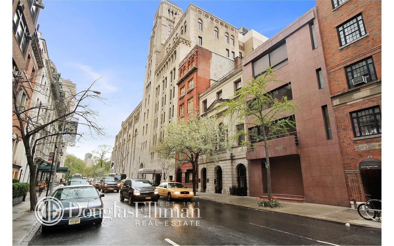 17 East 65th Street