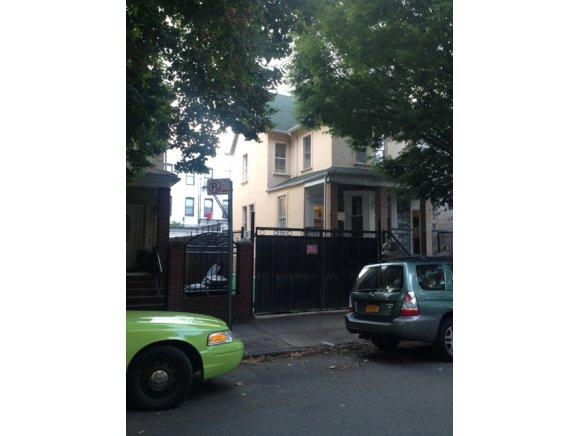 390 Stratford Rd