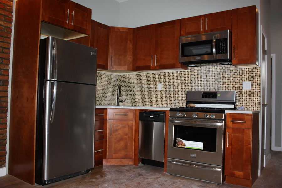 Stunning 2BR Apt, Newly Renovated ! No Fee!