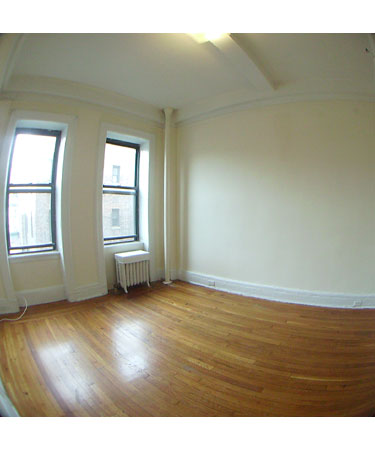 CHARMING STUDIO TONS OF LIGHT - PRIME LOCATION 70TH ST & COLUMBUS - HURRY DON'T MISS IT