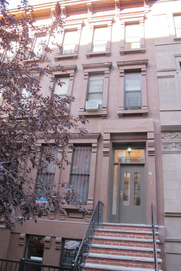 Great location, Great value, Townhouse 120th/St. Nicholas