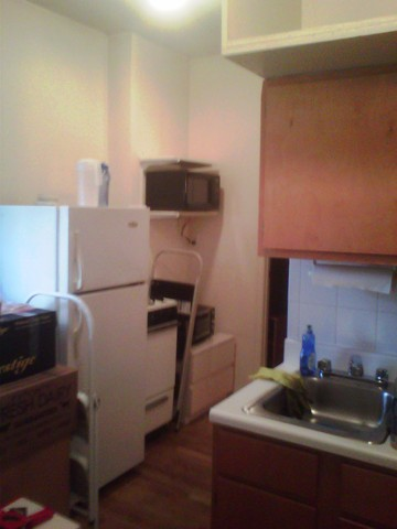 LOW FEE 70's /April/one bedroom