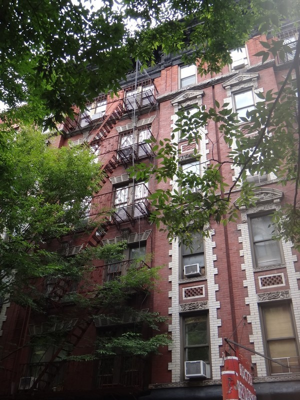 1 BR with Home Office / Convertible 2 BR in Prime Greenwich Village area.