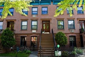 468 Warren Street #3