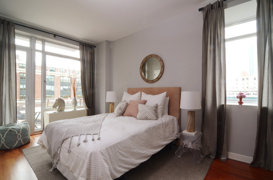 Amazing 1 Bed/1 Bath in Long Island City w/ Onsite Parking Availabe, Bicycle Storage Available - No Fee