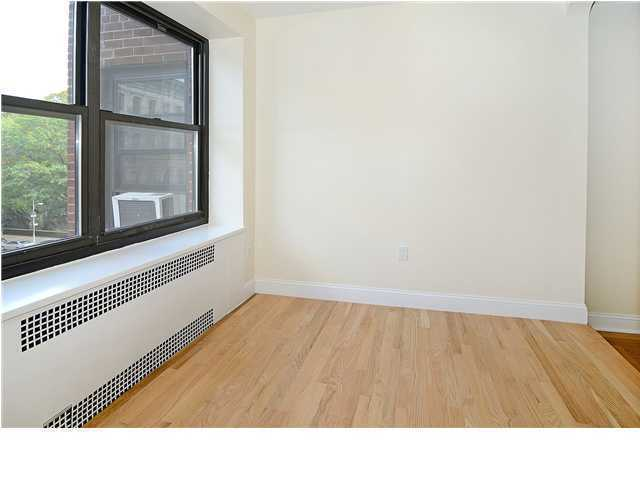 Central Park West Extra Large One bedroom with den Condo!