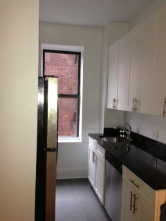 STUDIO BROOKLYN HEIGHTS LARGE EAT IN KITCHEN SEPERATE