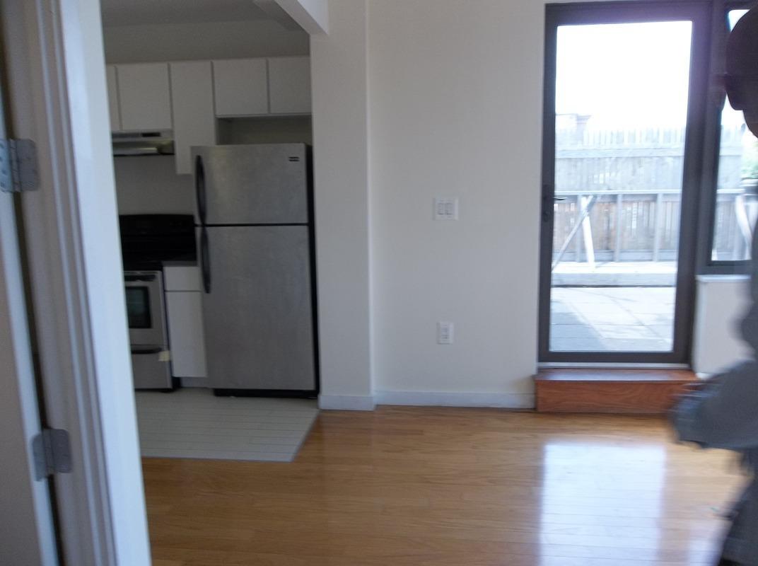 920 Metropolitan Avenue