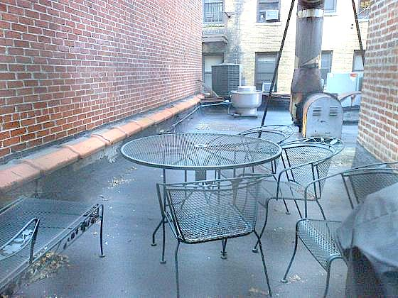 HUGE 1BR, PRIVATE TERRACE, 1FLIGHT UP, DISH/WASHER ( AVAIL 03/01 )