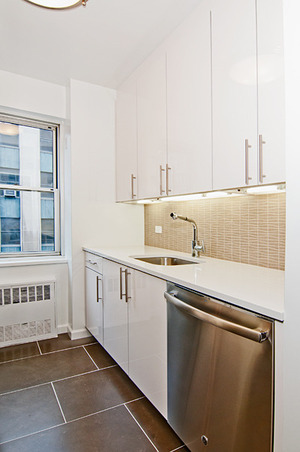 7 Lexington Avenue, #9D