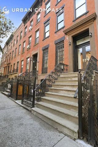 446 W 44th Street