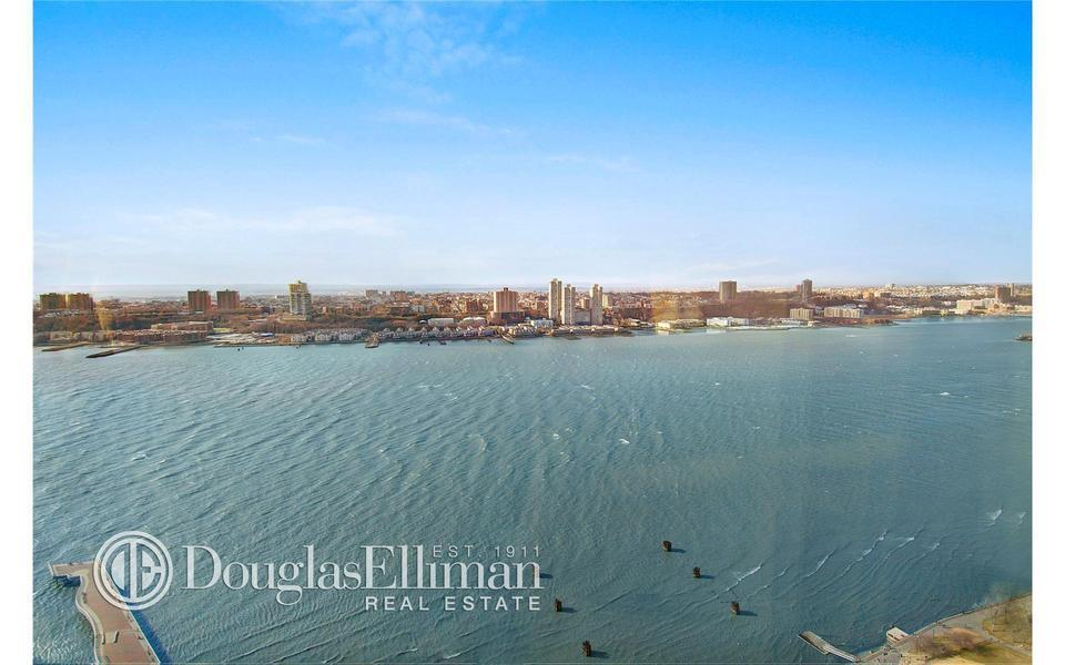 220 Riverside Boulevard #41CD