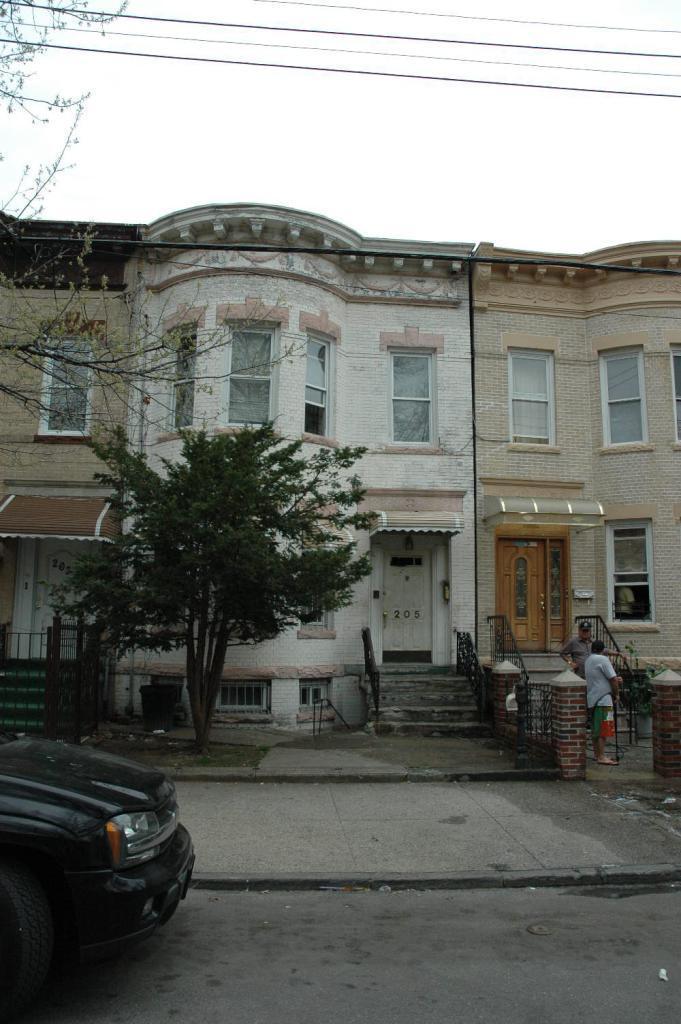 205 Grant Avenue
