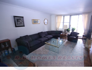 Renovated Large 3BR 2Bath with EIK and Balcony