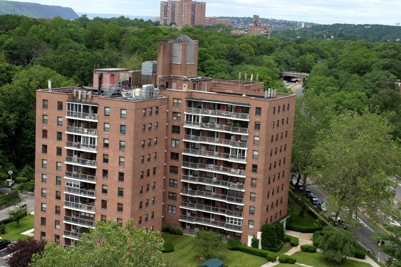 Riverdale info housing availability and values streeteasy for Richest apartments in nyc