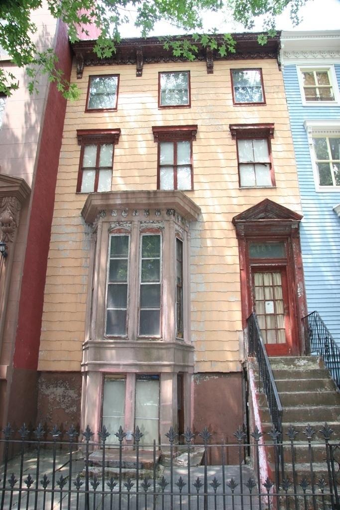183 Lafayette Avenue
