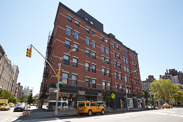 652 Hudson Street
