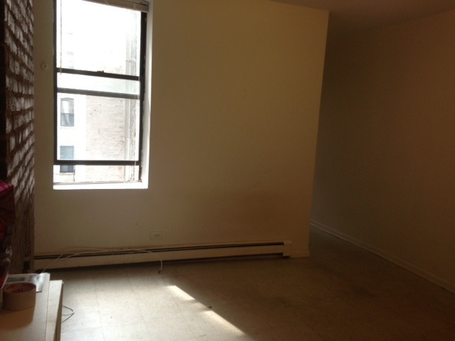 Hot deal! large 1br>Exposed brirck>Deco-fireplace>only 2nd floor walk up