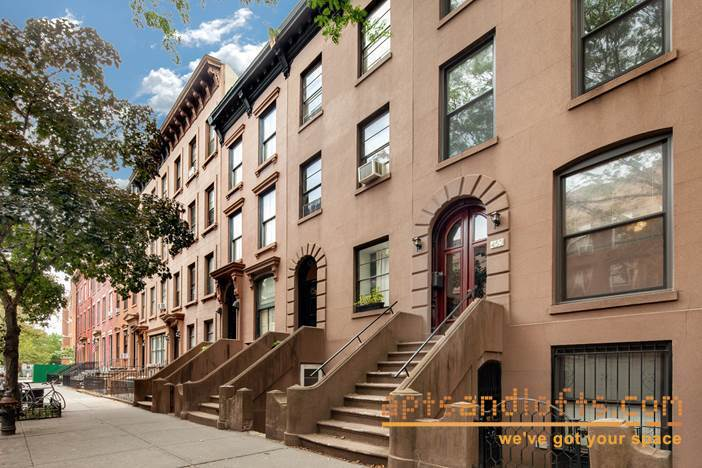 453 Henry Street TOWNHOUSE