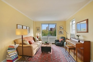 159-34 Riverside Drive West #6B