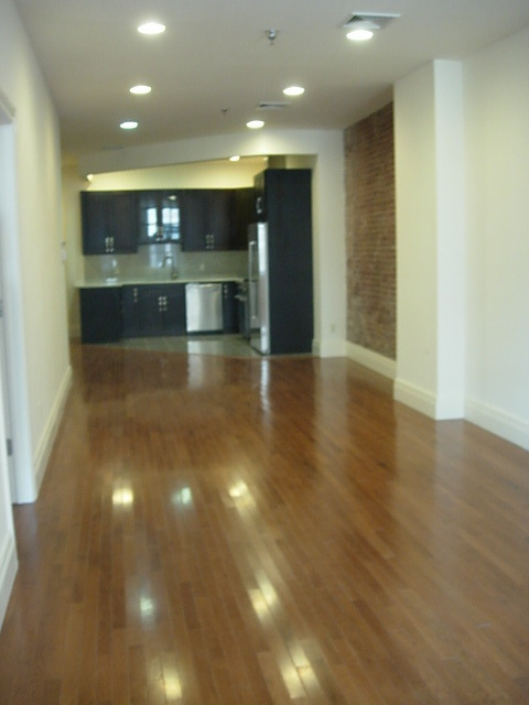 luxury building/private terrace/city view//LOW FEE