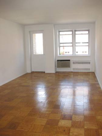 Marvelous 1 Bed/1 Bath in Greenwich Village w/ Balcony & Attended Garage - No Fee