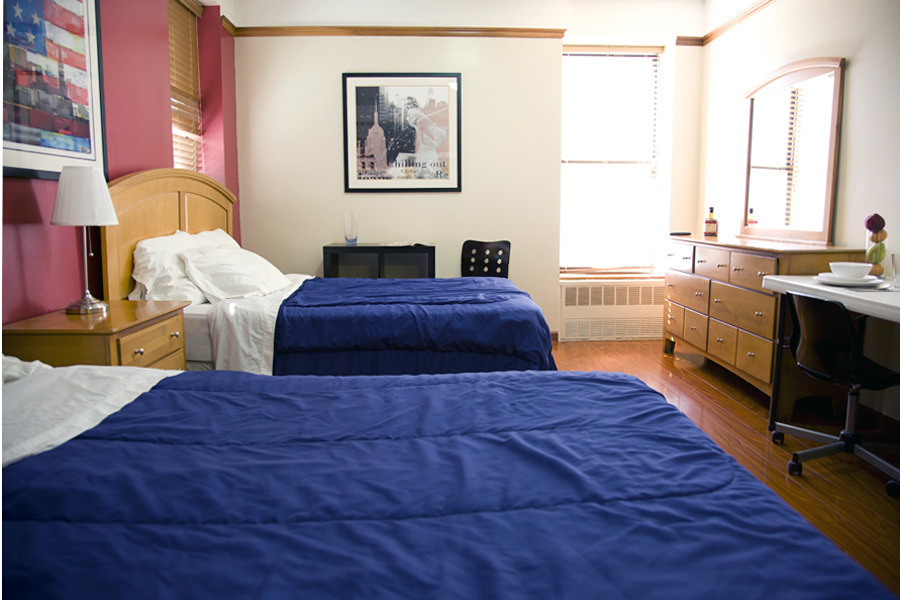 Perfect for 2 people Furnished studio with 2 FULL beds , easy access by SUBWAY everywhere in the city !