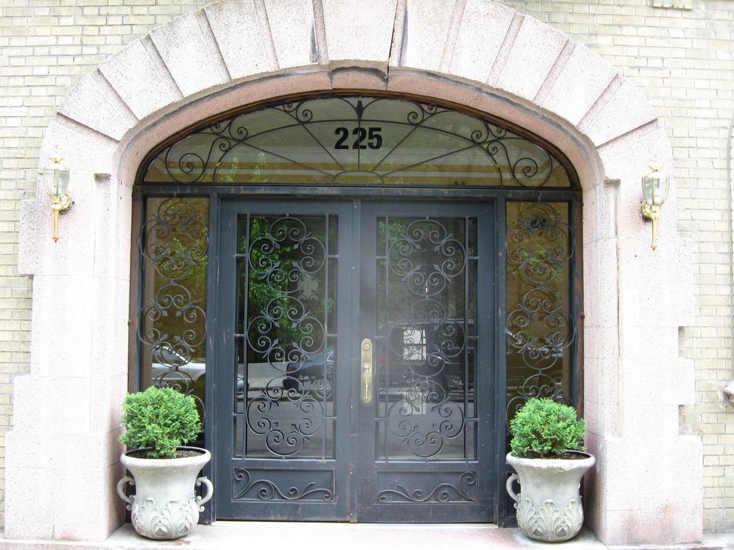 225 Bennett Avenue #1D