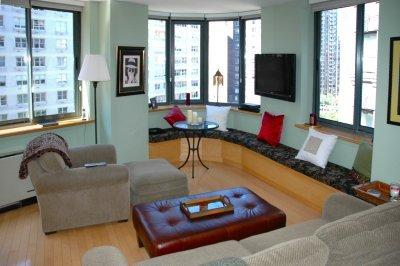 THE PERFECT LINCOLN CENTER PIED-A-TERRE