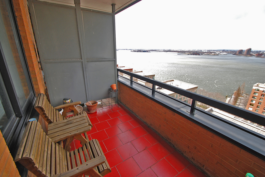Riverfront 1BR with Private Terrace