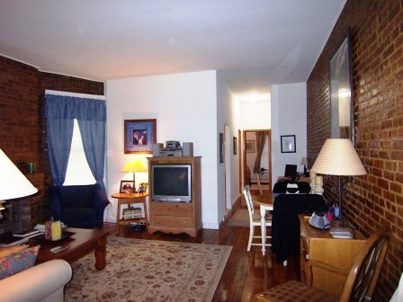 LARGE 1 BEDROOM APT ON WEST 51ST STREET