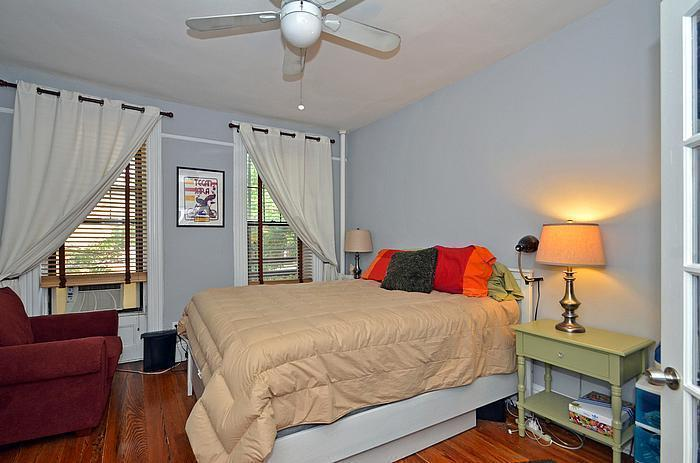 Awesome and Charming 1 Bedroom Coop