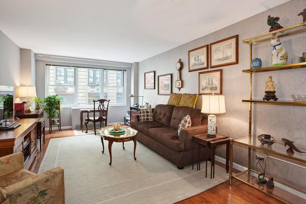301 East 22nd Street #2P