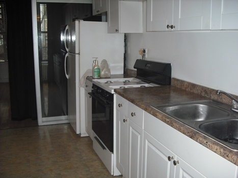 LOW FEE HUGE 2 BED/FIT KING SIZE BDS/EAT IN KITCHEN!