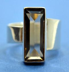 New Sterling Silver Ring with Smoked Crystal Size 6.5