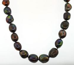 Black ladies freshwater pearl necklace