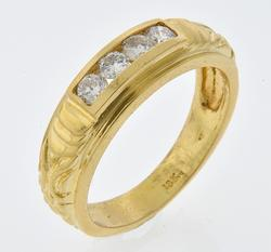 LOVELY DIAMOND 18K ENGRAVED BAND